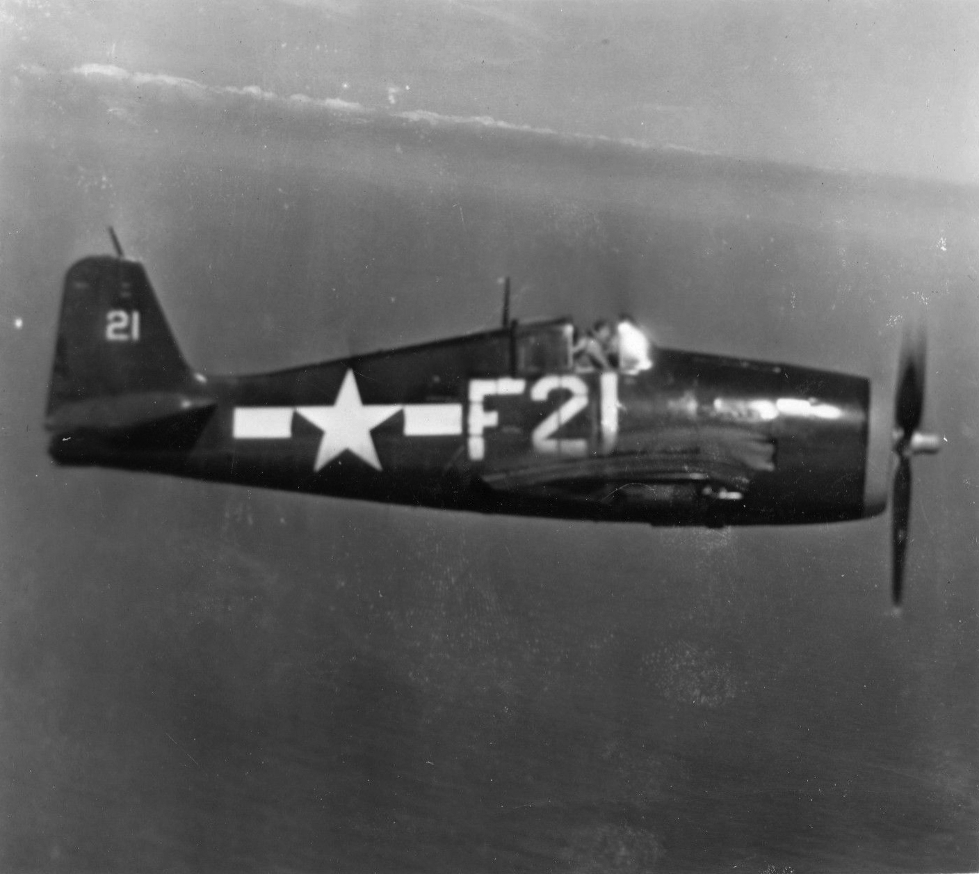 Grumman F6F 5 Hellcat VBF 8 White F21 NAS Barbers Point mid late 1945 01