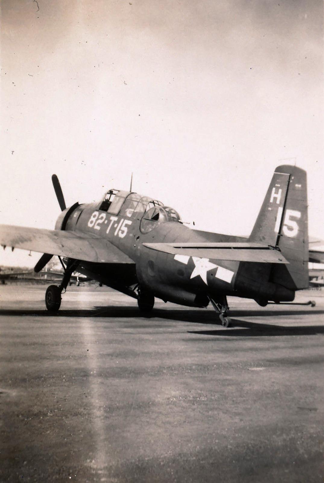 Grumman TBM3 Avenger VT 82 White 82T15 NAS Puunene late 1945 01
