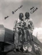 Asisbiz Aircrew USN VBF 8 Ens Beaulieu Ens Teater NAS Puunene 1945 01