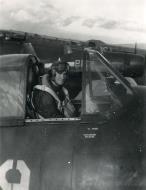 Asisbiz Aircrew USN VBF 8 LCDR Kicker NAS Puunene 1945 01