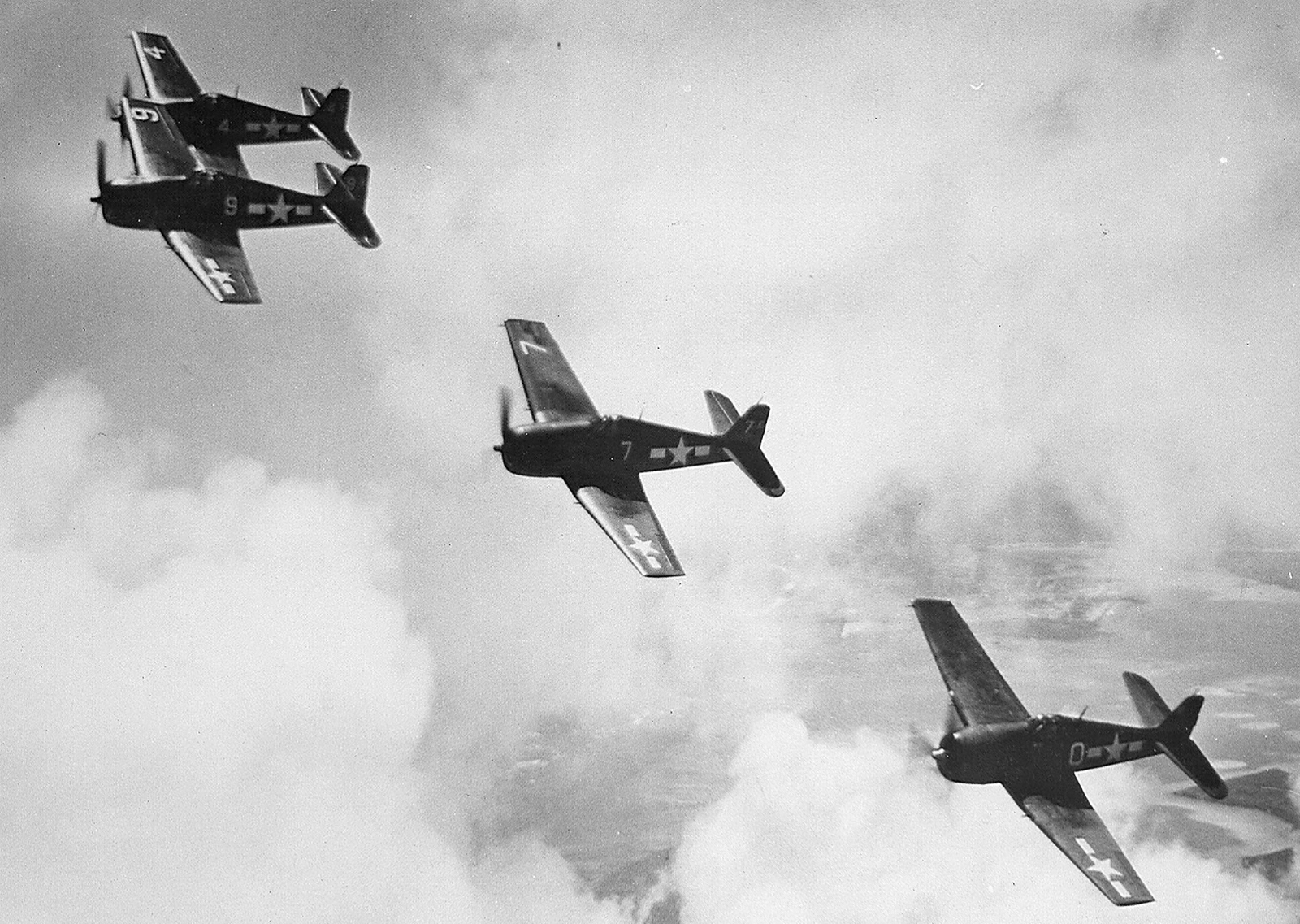 Grumman F6F 3 Hellcat VF 1 White K0, K7, K9 and K4 in formation CV 10 USS Yorktown II June 1944 01