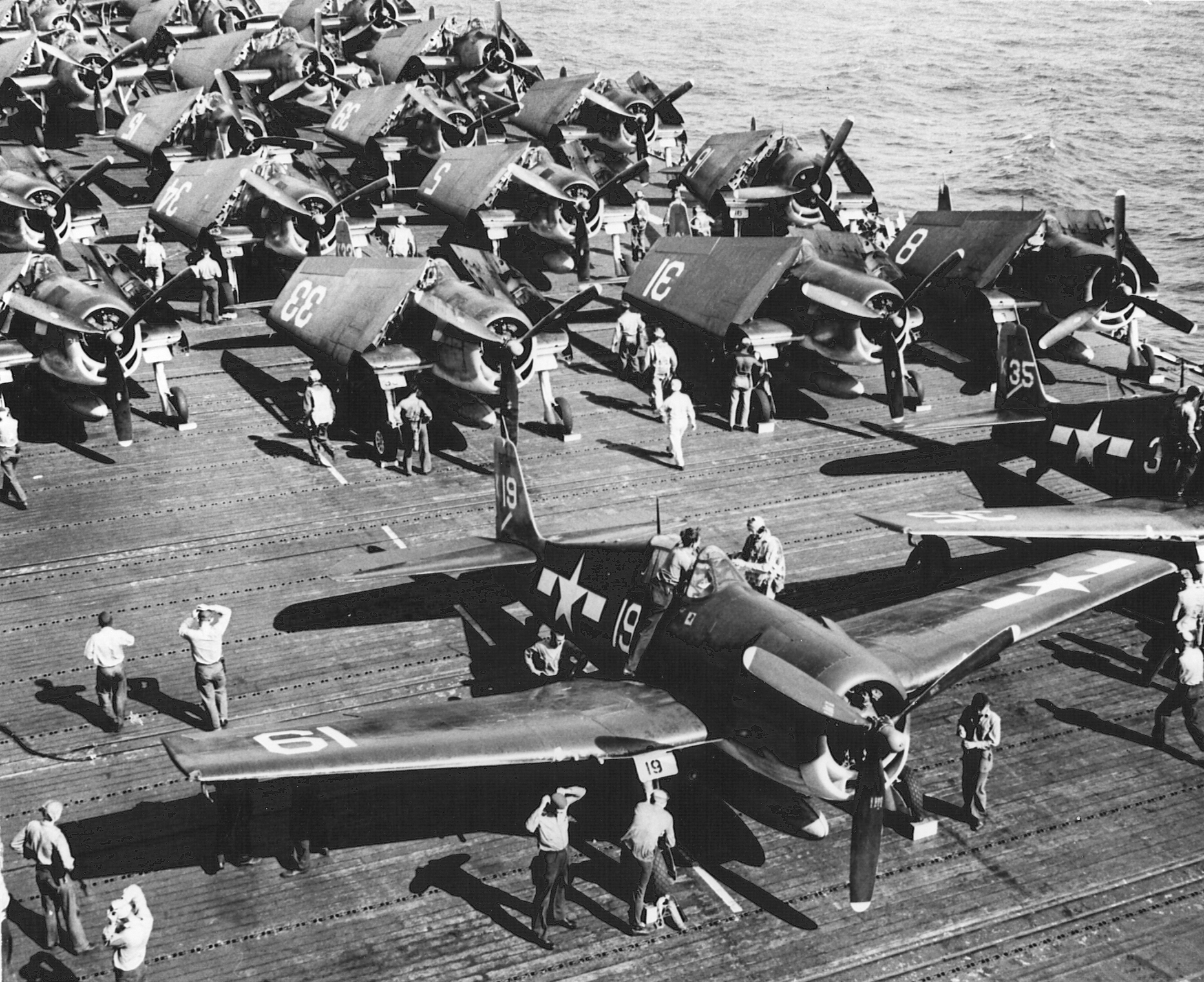 Grumman F6F 5 Hellcat VF 1 White K19 aboard CV 10 USS Yorktown II June 1944 01