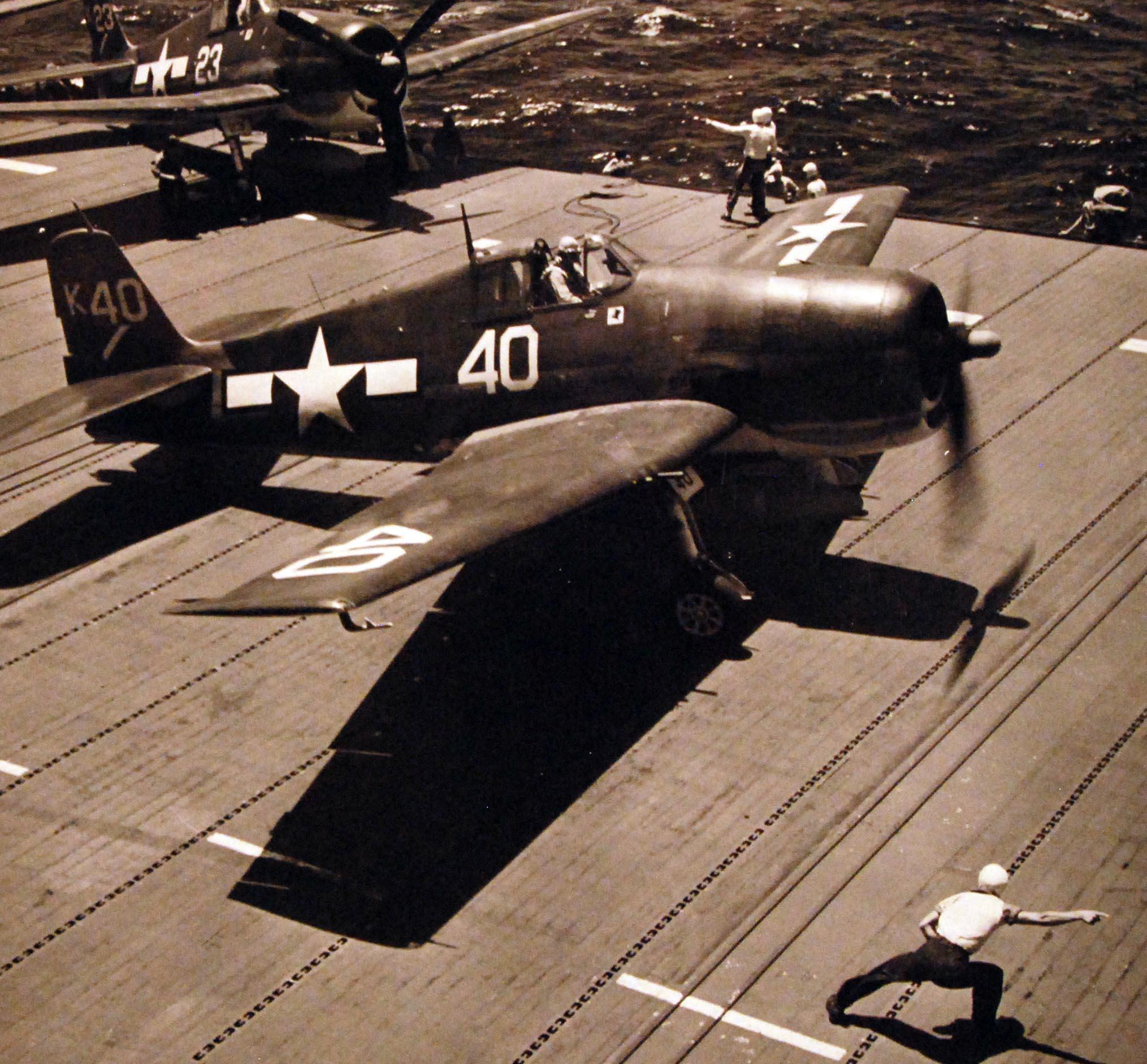 Grumman F6F 5 Hellcat VF 1 White K40 aboard CV 10 USS Yorktown II June 1944 01