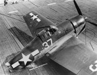 Asisbiz Grumman F6F 5 Hellcat VF 1 White K37 landing mishap CV 10 USS Yorktown II 15th June 1944 01