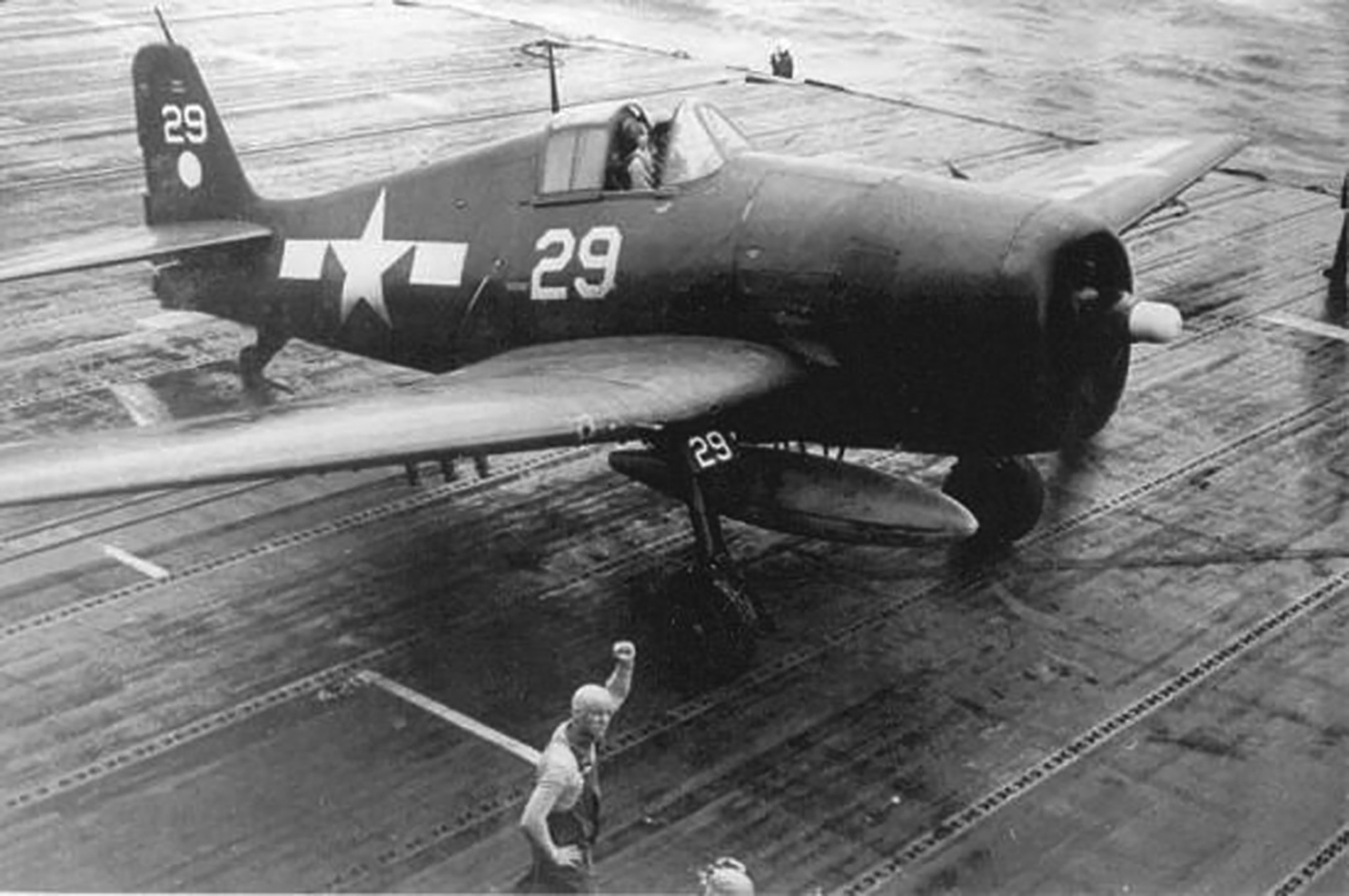 Grumman F6F 5 Hellcat VF 11 Sundowners Ginger White 29 CV 12 USS Hornet 1945 02