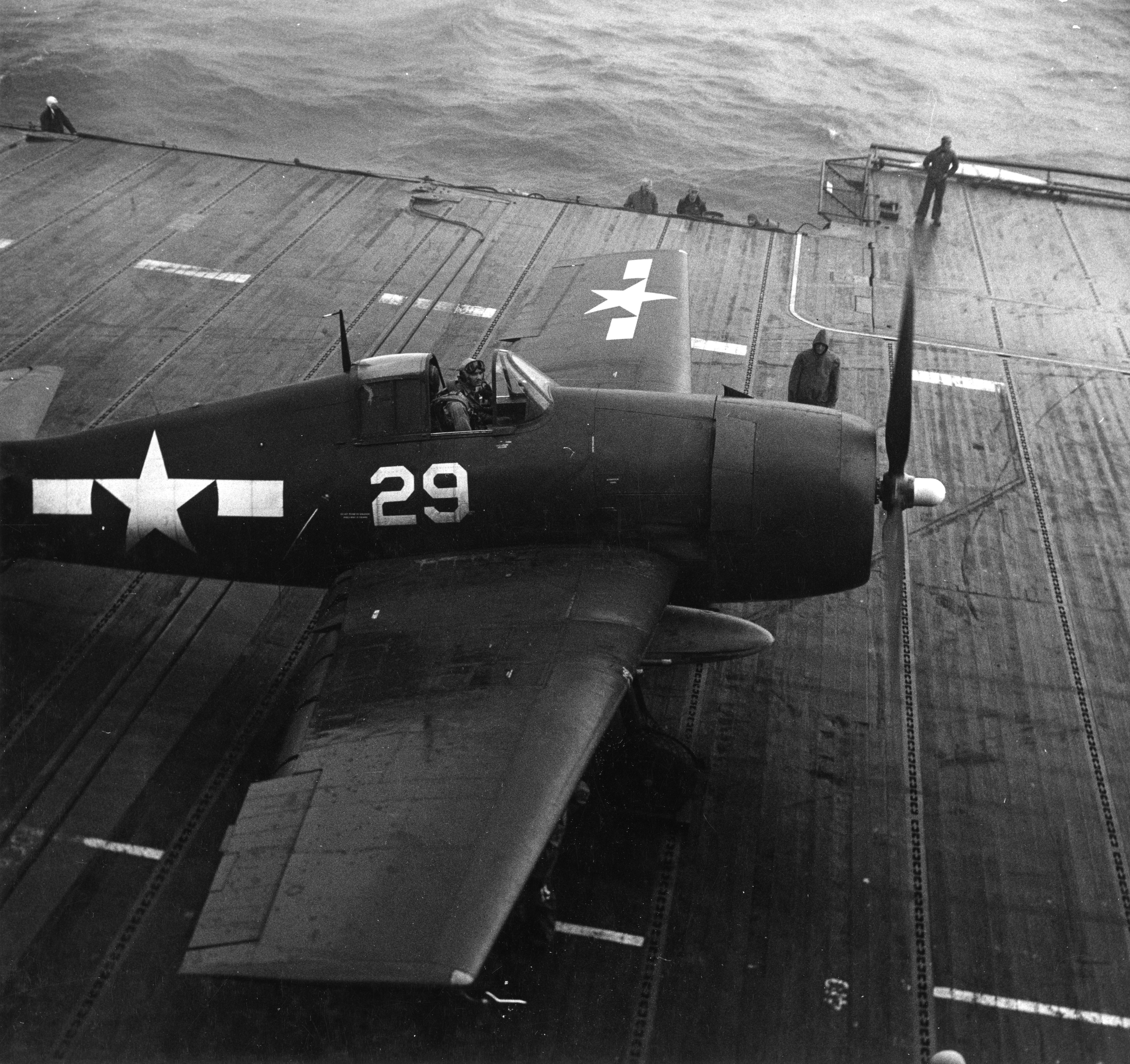 Grumman F6F 5 Hellcat VF 11 Sundowners Ginger White 29 CV 12 USS Hornet 1945 03