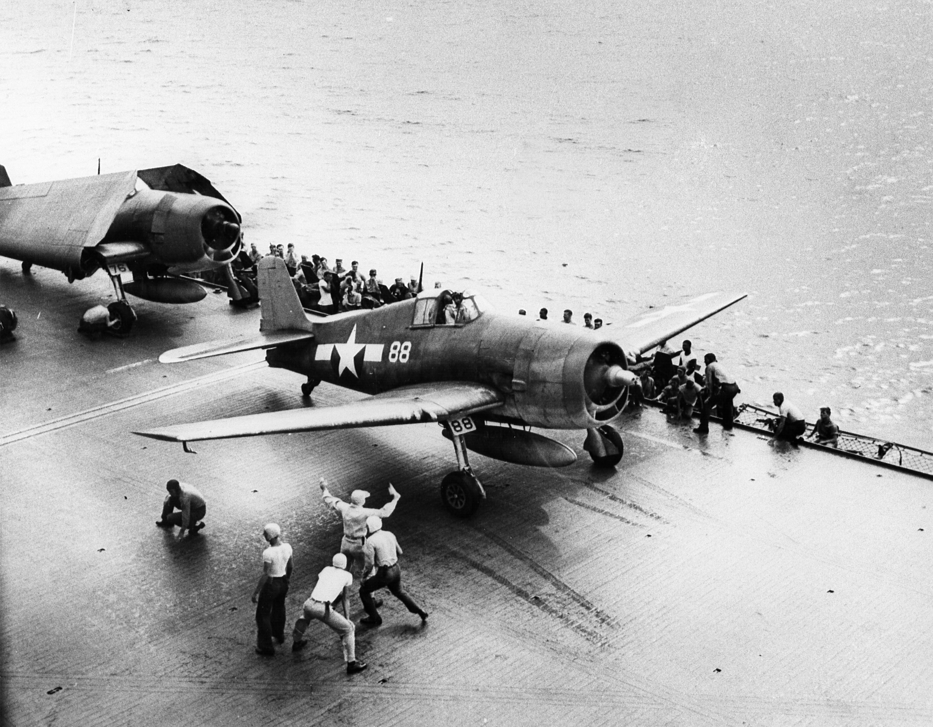 Grumman F6F 3 Hellcat VF 12 White 88 launches from CV 3 USS Saratoga 1943 44 01