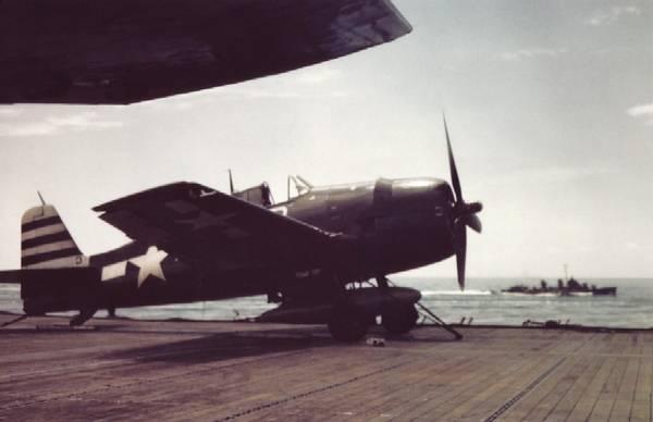 Grumman F6F 5 Hellcat VF 12 White 3 showing tail geometric identification symbol 01