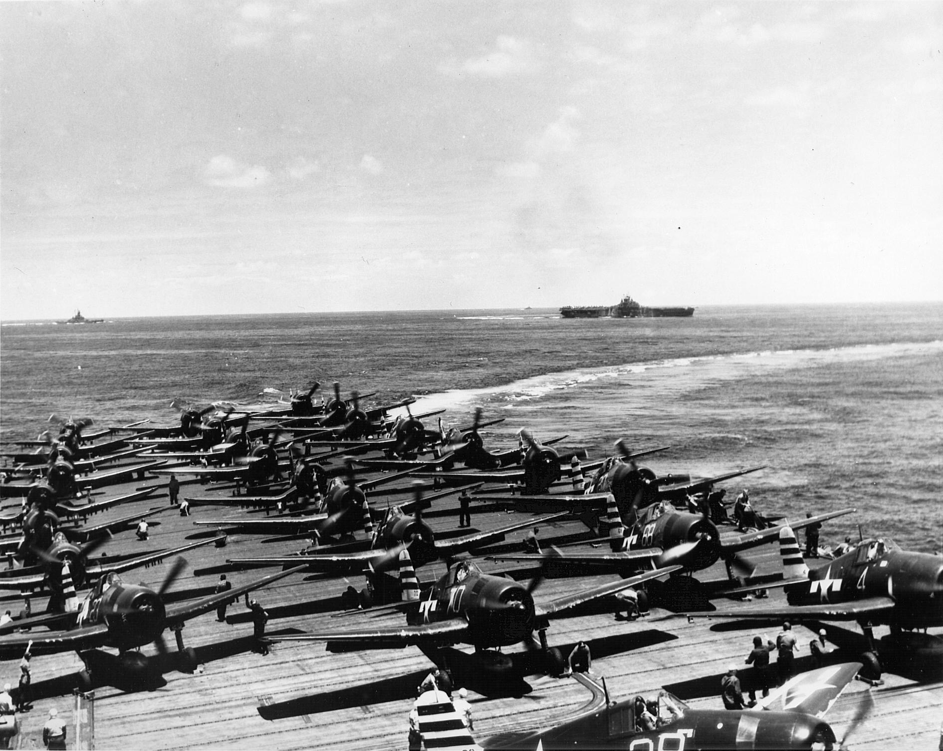Grumman F6F 5 Hellcat VF 12 White 4,23 and 68 warming up CV 15 USS Randolp 01