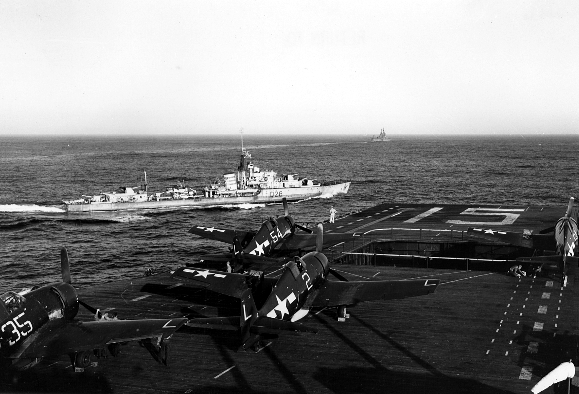 Grumman F6F 5 Hellcat VF 16 CV 15 USS Randolph and D28 HMS Urchin off Japan 1945 01
