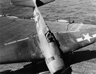 Asisbiz Grumman F6F 3 Hellcat VF 16 White 8 landing mishap CV 16 USS Lexington 1943 01