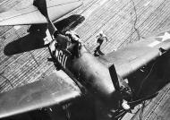 Asisbiz Grumman F6F 5 Hellcat VF 16 White 611 landing mishap CV 16 USS Lexington 1944 01