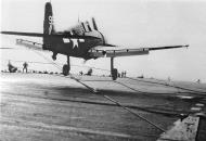 Asisbiz Grumman F6F 5P Hellcat VF 16 White 99 landing CV 31 USS Bon Homme Ricard 16th Jan 1945 01