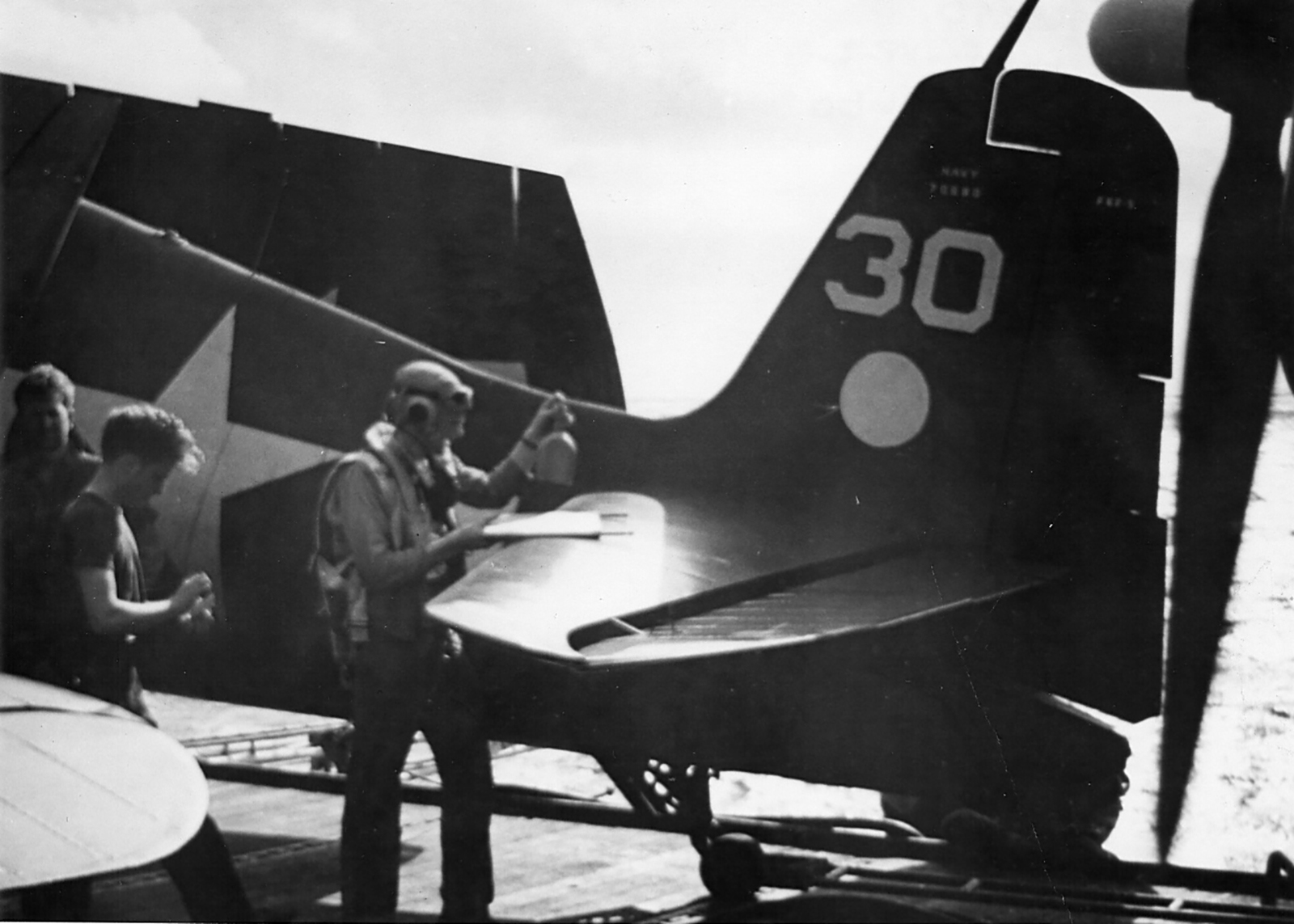 Grumman F6F 3 Hellcat VF 2 White 30 CV 12 USS Hornet June 1944 01