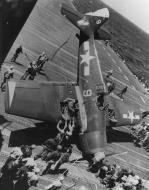 Asisbiz Grumman F6F 5 Hellcat VF 3 White 9 landing mishap CV 10 USS Yorktown 1945 02