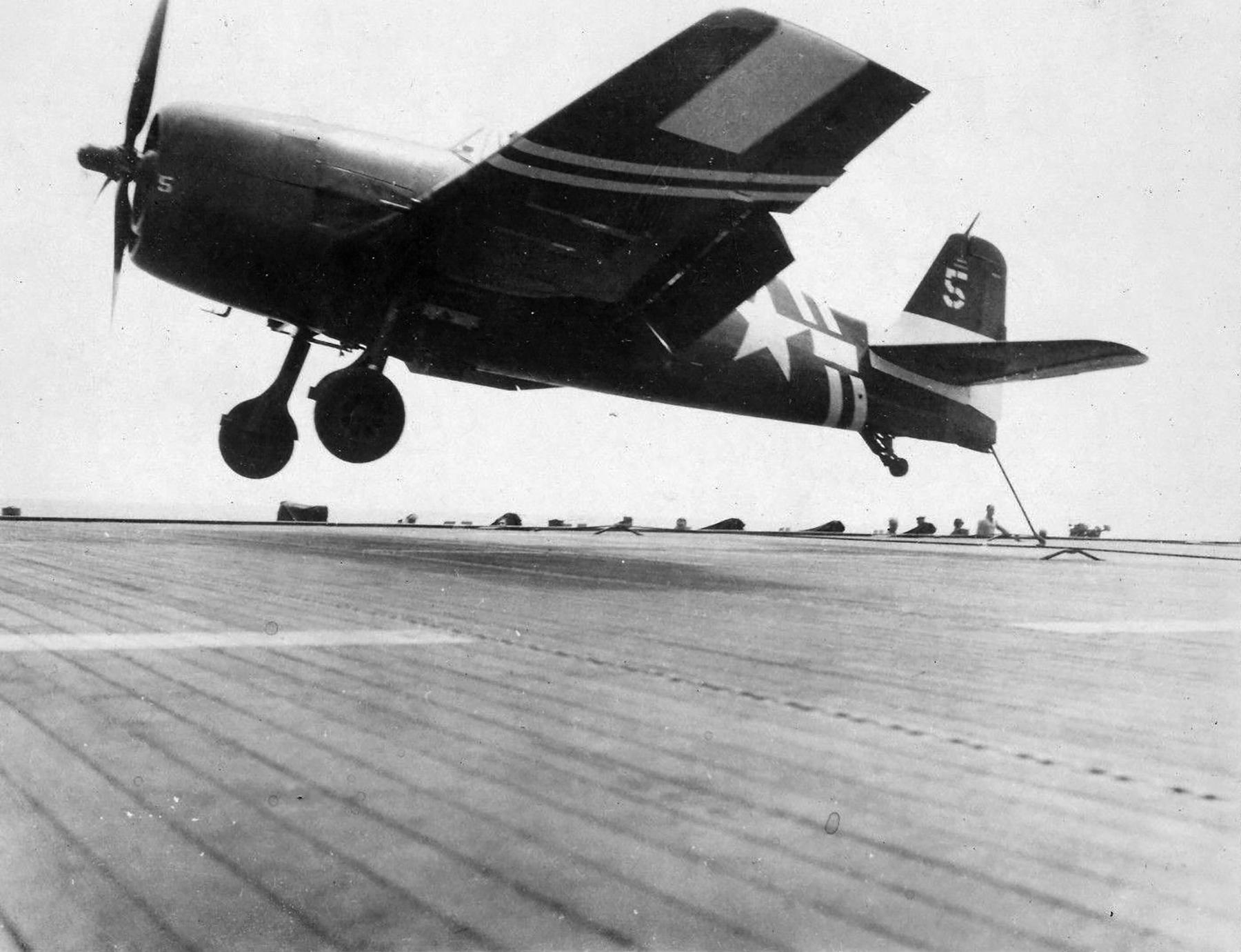 Grumman F6F 5 Hellcat VF 36 White 5 landing mishap CVE 112 USS Siboney Aug 1945 May 1946 02