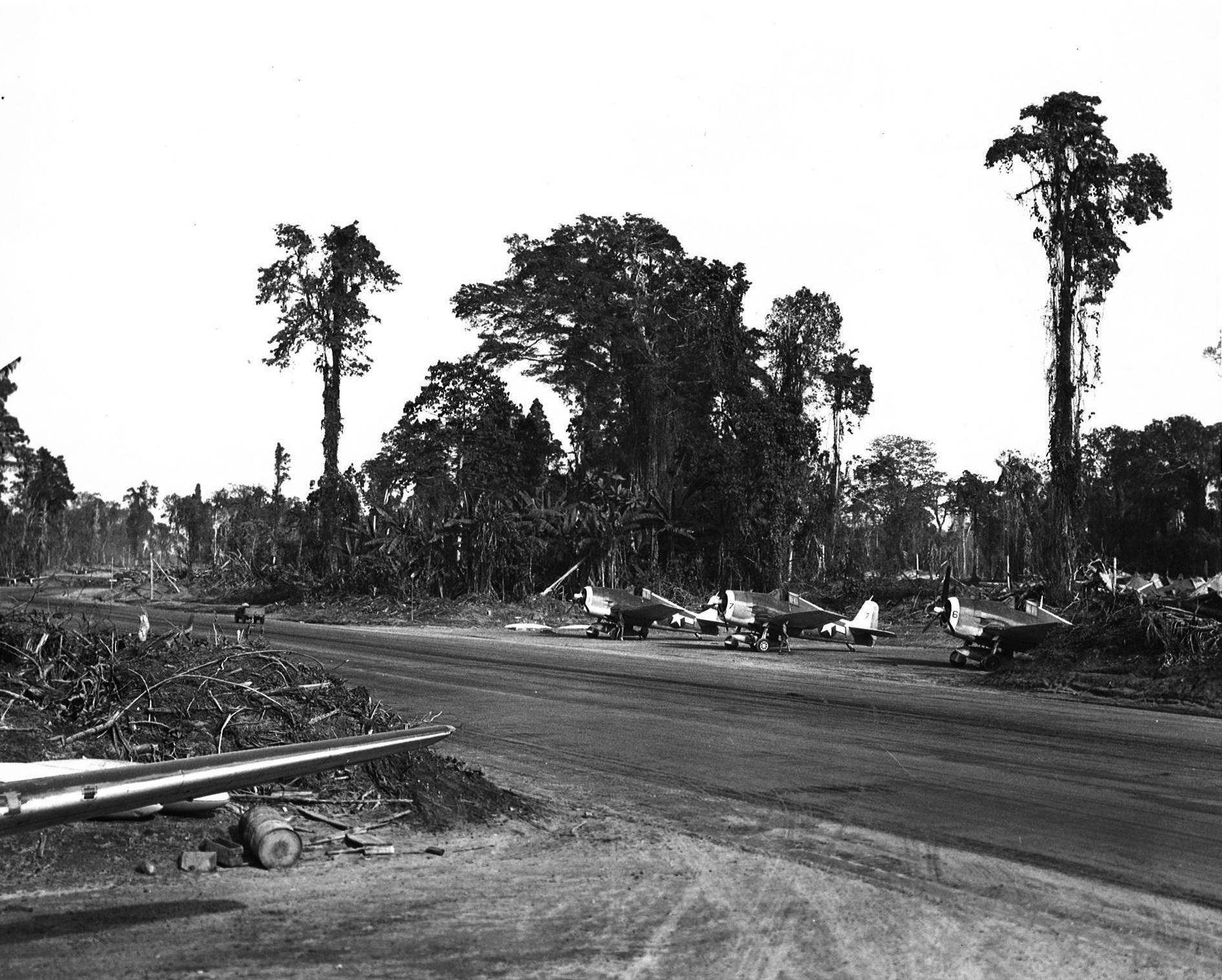 Grumman F6F 3 Hellcat VF 38 Black 1, 6 and 7 Henderson Field Guadalcanal Solomon Islands Sep 1943 01