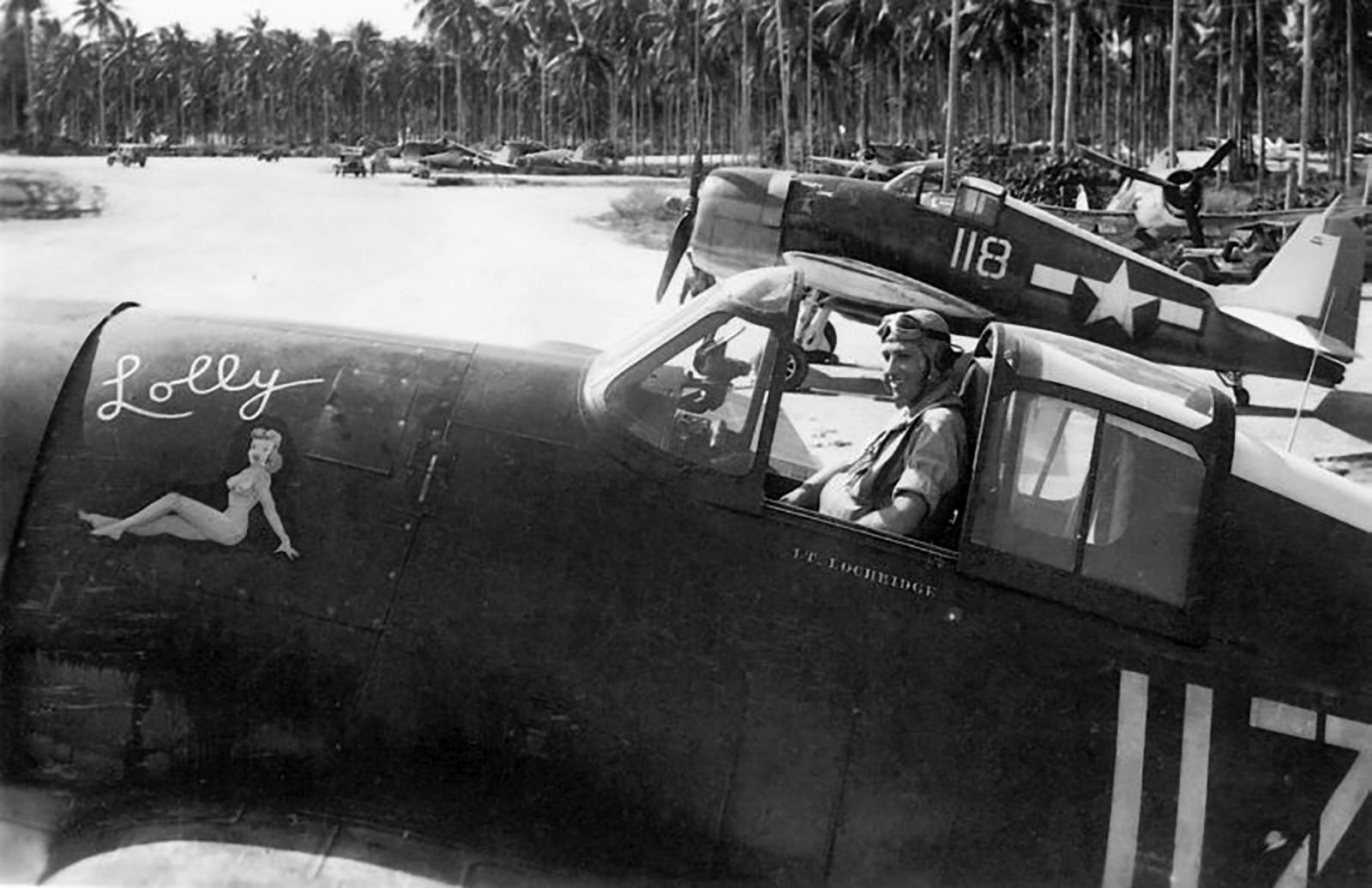 Grumman F6F 3 Hellcat VF 38 White 118 at Munda airfield New Georgia Sep 1943 01