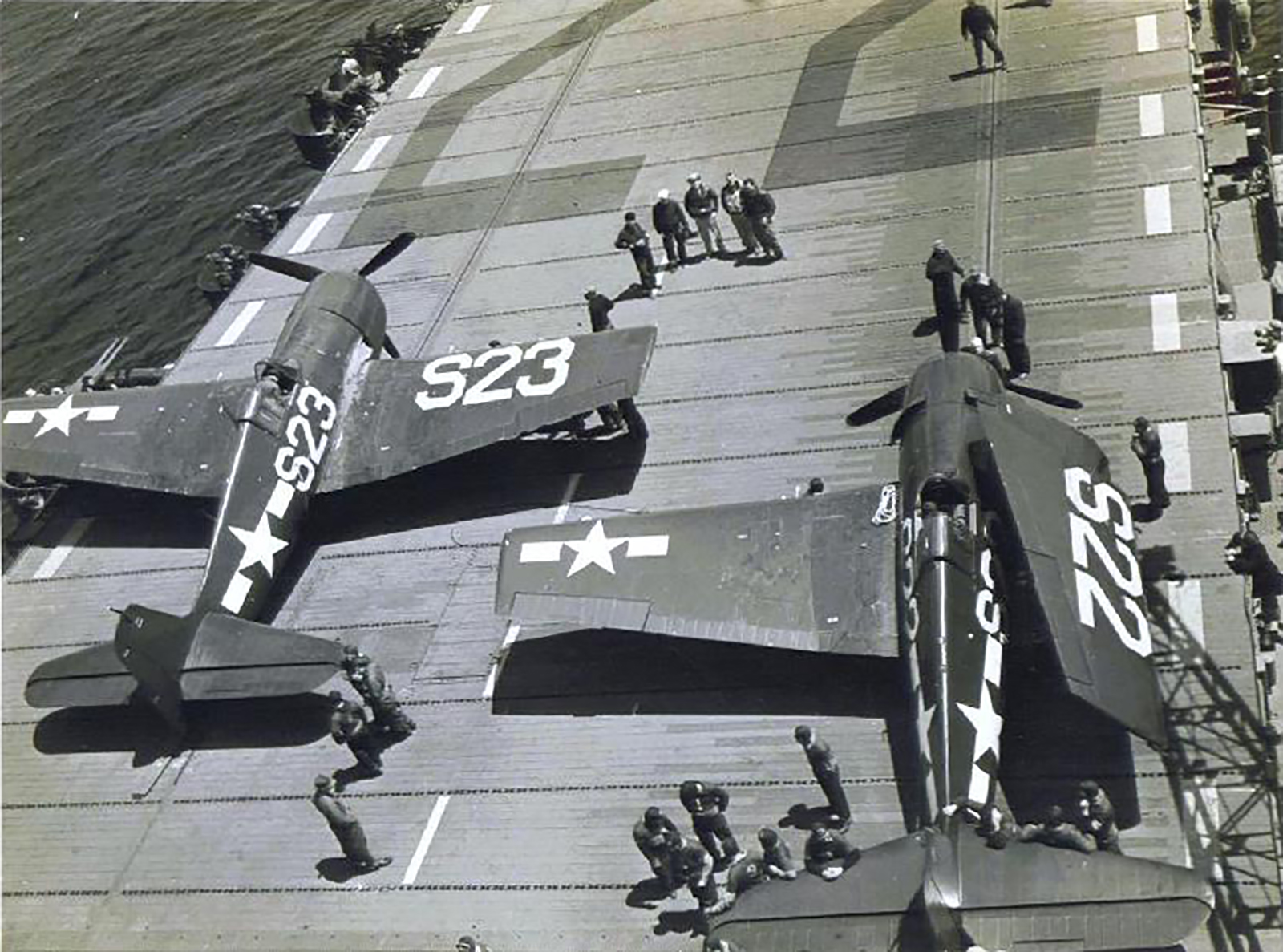 Grumman F6F 5 Hellcat White S22 and S23 aboard CVL 22 USS Independence 01