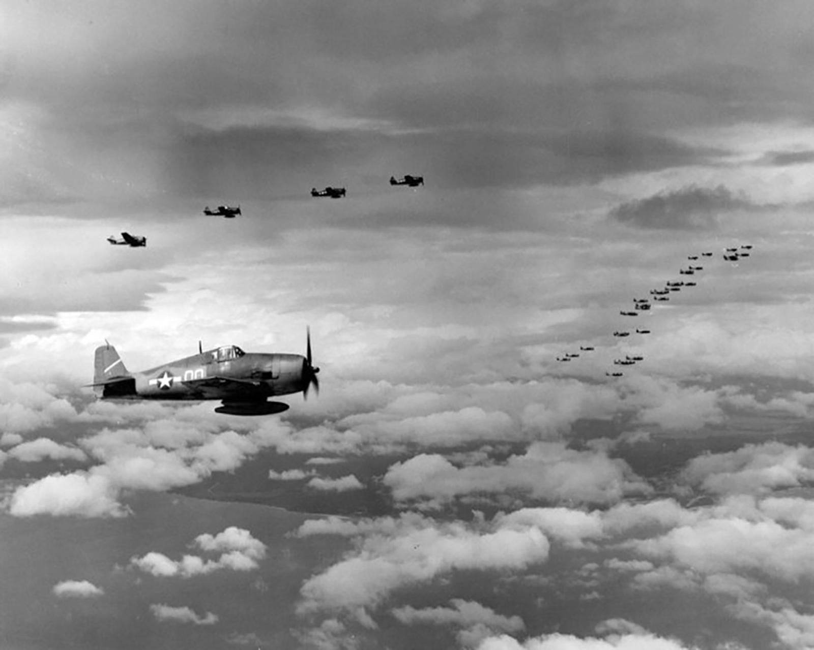 Grumman F6F 3 Hellcat VF 5 White 00 Marcus Island raid CV 10 USS Yorktown 1943 03