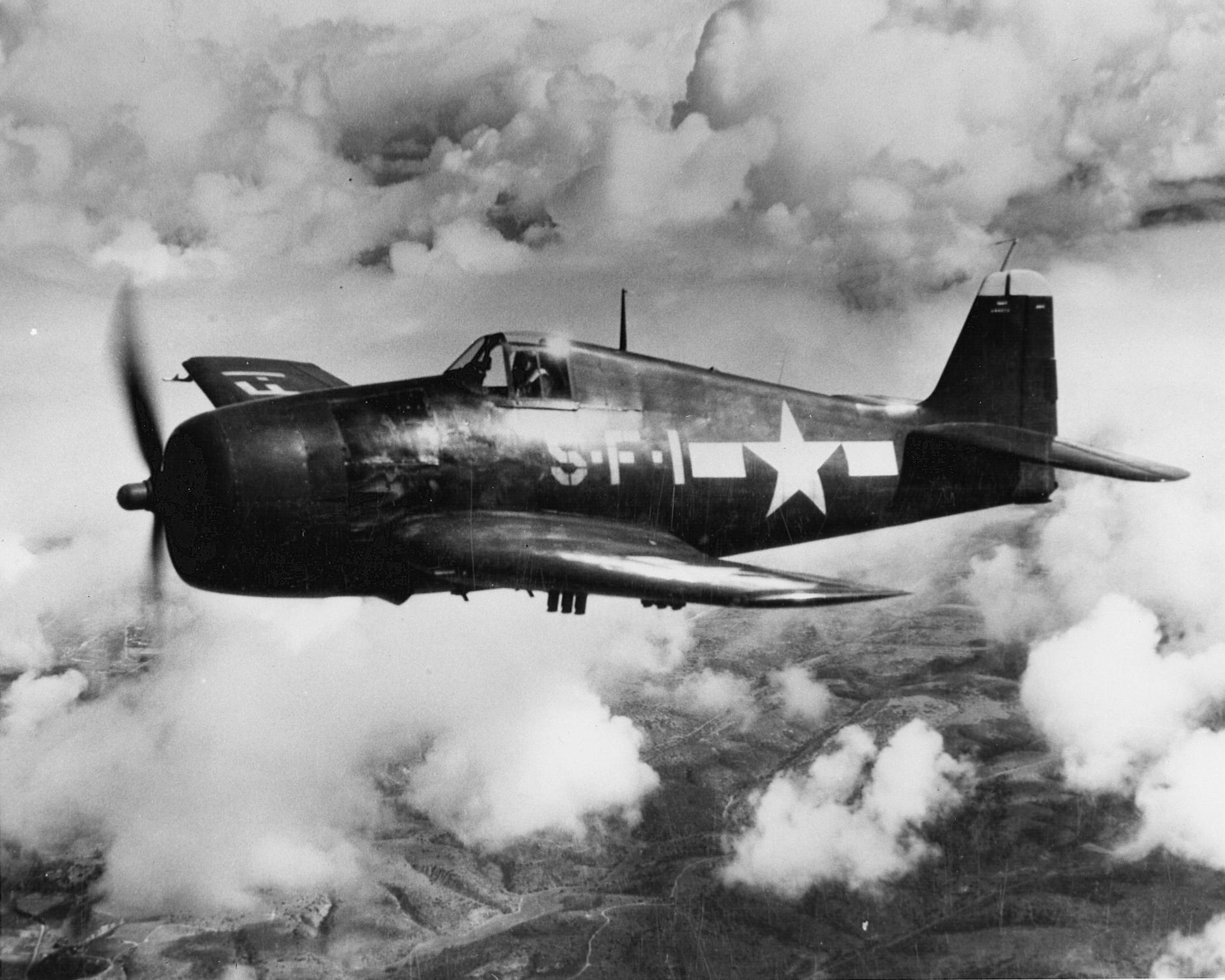 Grumman F6F 5 Hellcat VF 5 White 1 on patrol CV 10 USS Yorktown 1944 01