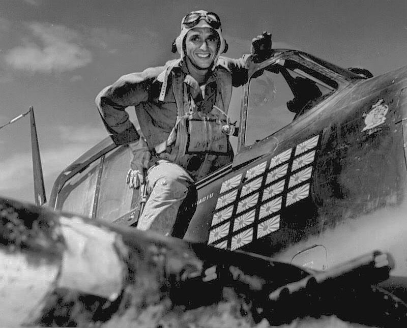 Aircrew USN LTJG Alex Vraciu VF 16 White 32 Hellcat ace 1944 05