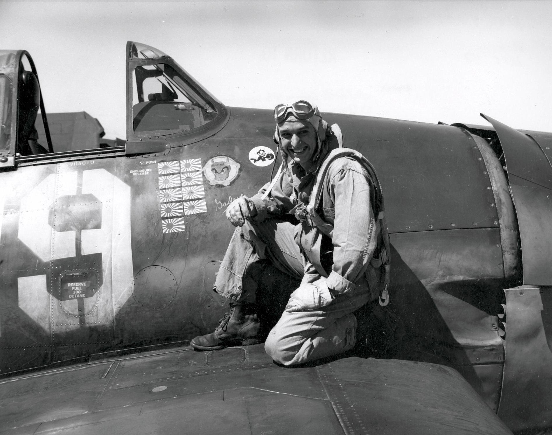 Aircrew USN LTJG Alex Vraciu VF 6 Hellcat ace 1944 02