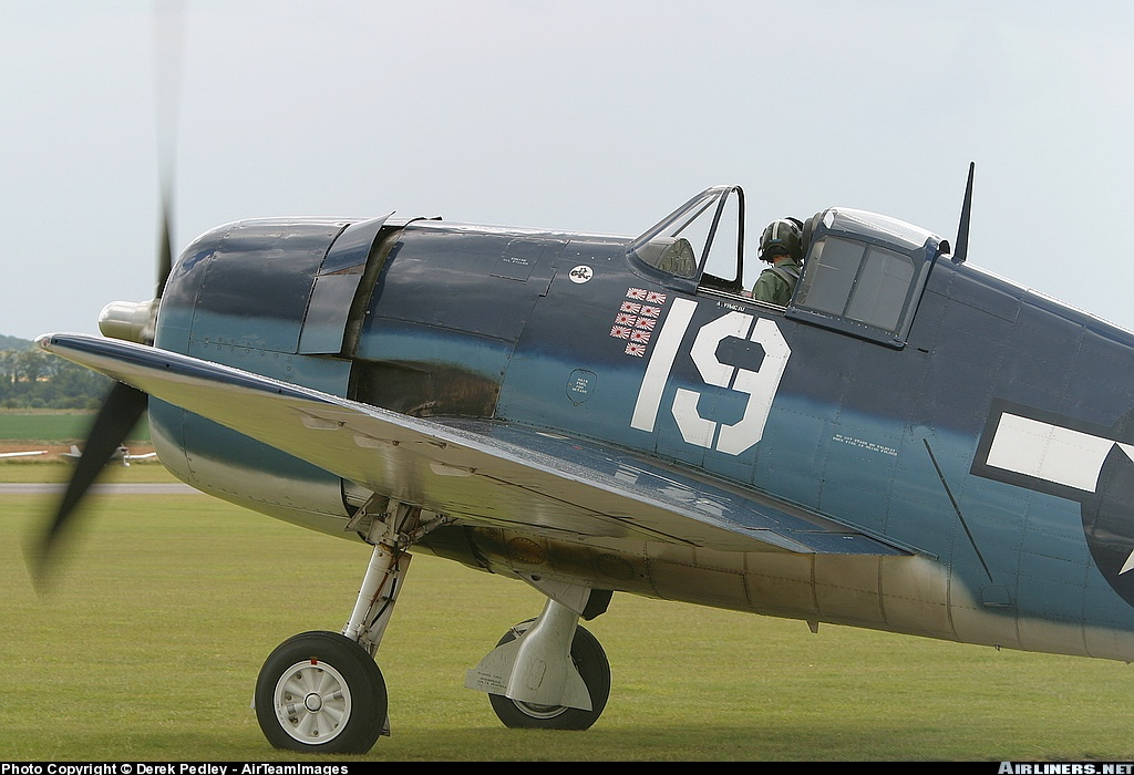 Airworthy warbird Gumman F6F Hellcat BuNo 80141 G BTCC showing VF 6 White 19 Alexander Vraciu markings 02
