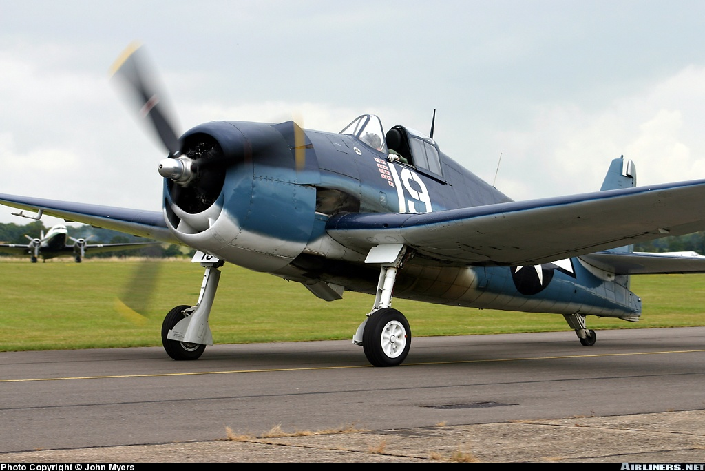 Airworthy warbird Gumman F6F Hellcat BuNo 80141 G BTCC showing VF 6 White 19 Alexander Vraciu markings 03