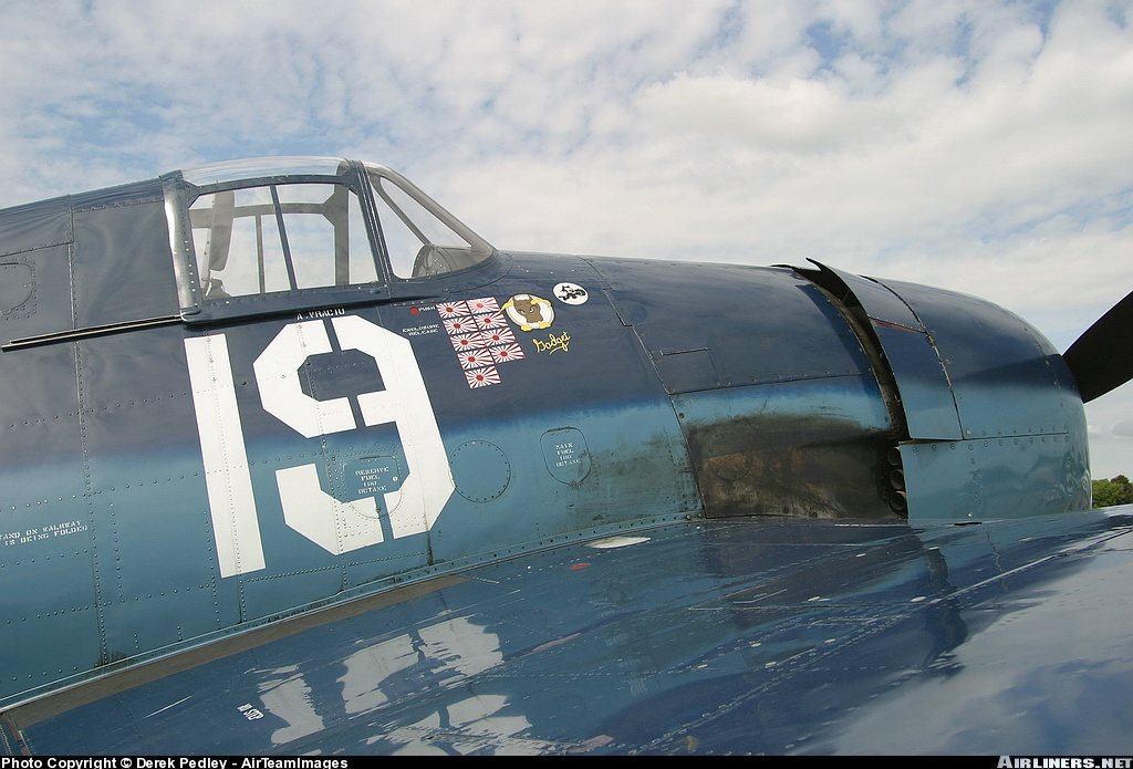 Airworthy warbird Gumman F6F Hellcat BuNo 80141 G BTCC showing VF 6 White 19 Alexander Vraciu markings 04