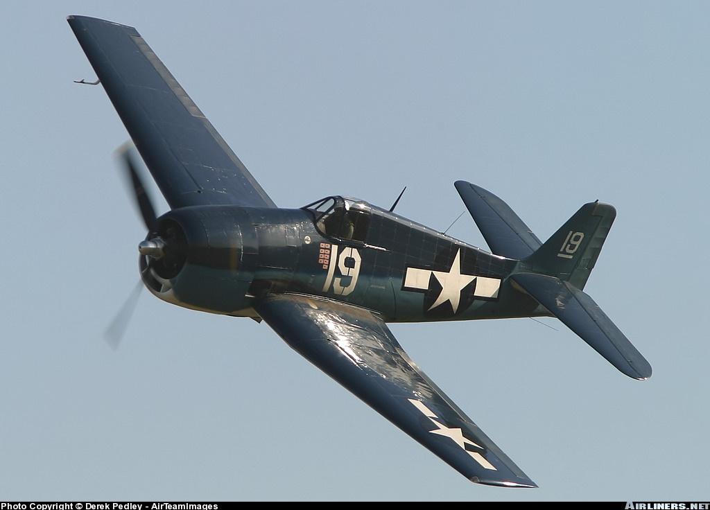 Airworthy warbird Gumman F6F Hellcat BuNo 80141 G BTCC showing VF 6 White 19 Alexander Vraciu markings 07
