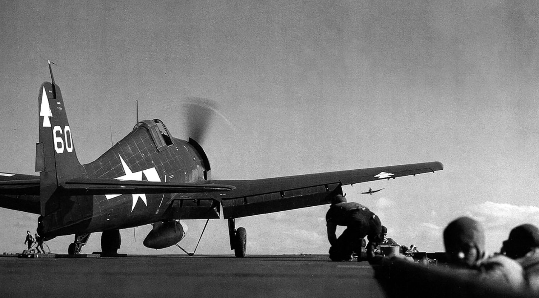 Grumman F6F 5 Hellcat VF 82 White 60 being launched from CV 20 USS Bennington 1944 01