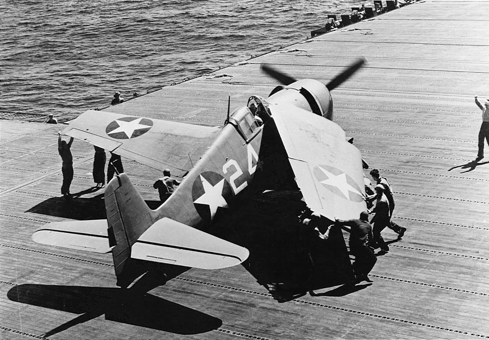 Grumman F6F 3 Hellcat White 24 aboard CV 9 USS Essex 01