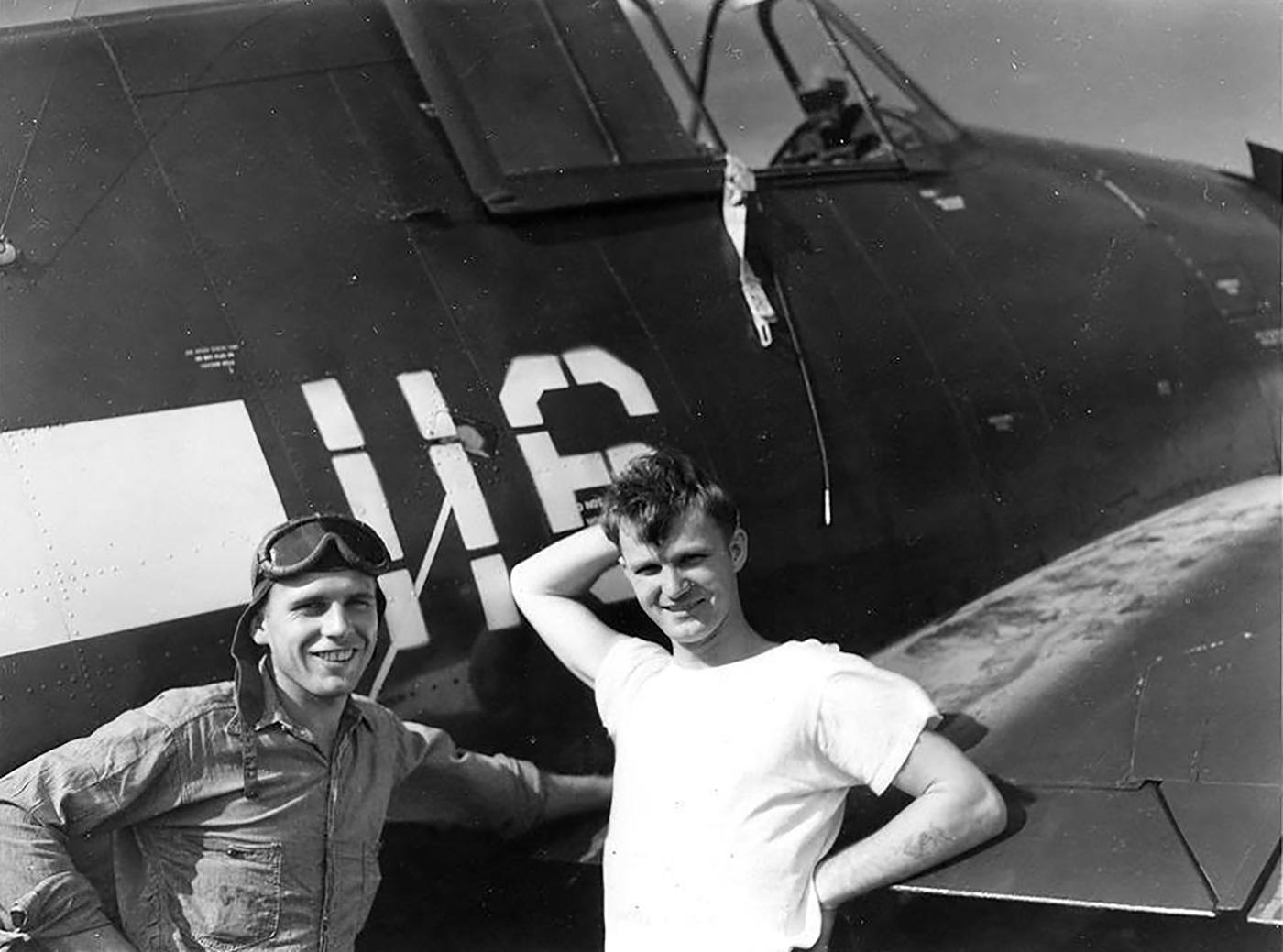Grumman F6F 5 Hellcat VF 83 White 116 aboard CV 9 USS Essex 1945 01