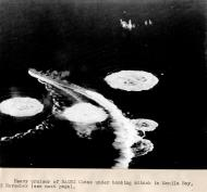 Asisbiz CV 9 USS Essex aircraft attacked shipping at Manila Bay 5th Nov 1944 01