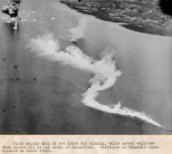 Asisbiz CV 9 USS Essex aircraft attacked shipping at Manila Bay 5th Nov 1944 02
