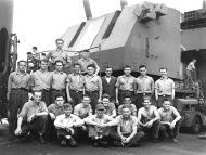 Asisbiz USN personnel VF 83 ground crew 01