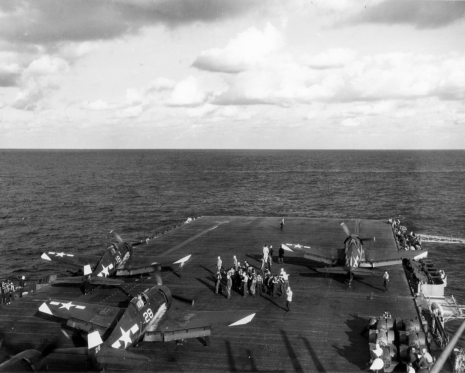 Grumman F6F 5 Hellcat VF 94 White 28 aboard CV 16 USS Lexington 25th Feb 1945 01