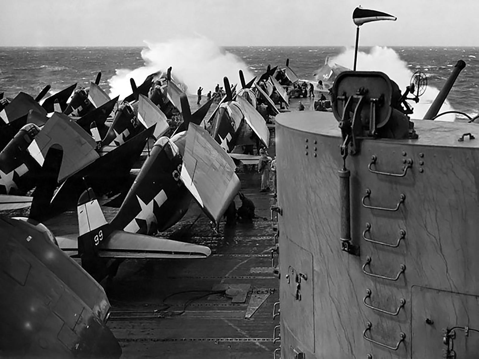 Grumman F6F 5 Hellcat VF 94 White 99 aboard CV 16 USS Lexington 14th Feb 1945 01