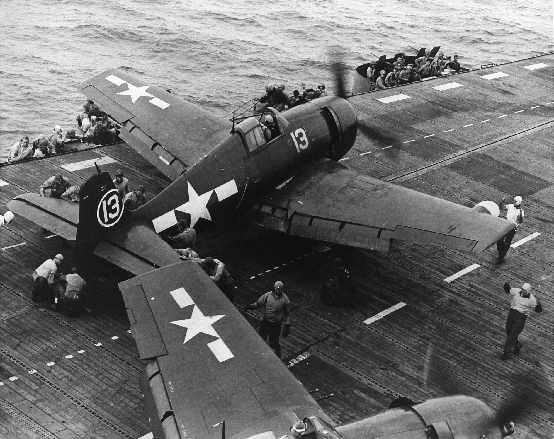 Grumman F6F 5N Hellcat VFN 41 White 13 about to be lauched from CVL 22 USS Independence 01