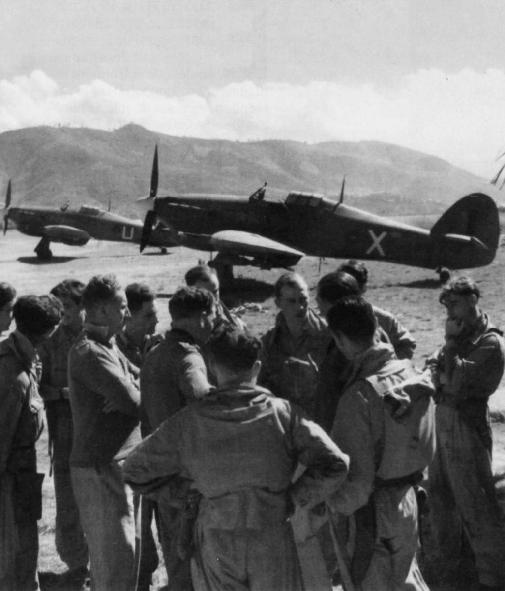 Hurricane IIc Trop RAF 35Sqn X and U Imphal India 1944 01