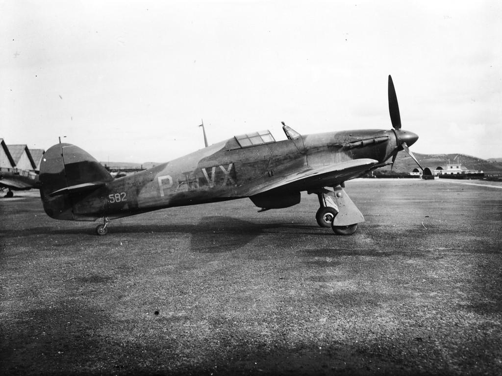 Hurricane II Portuguese Airforce VX P 591 582 Portugal 01