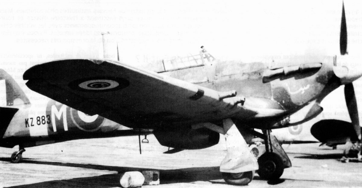 Hurricane IIc Trop Egyptian Air Force 1411 Meteorological Flight White M KZ883 Le Caire 1945 01