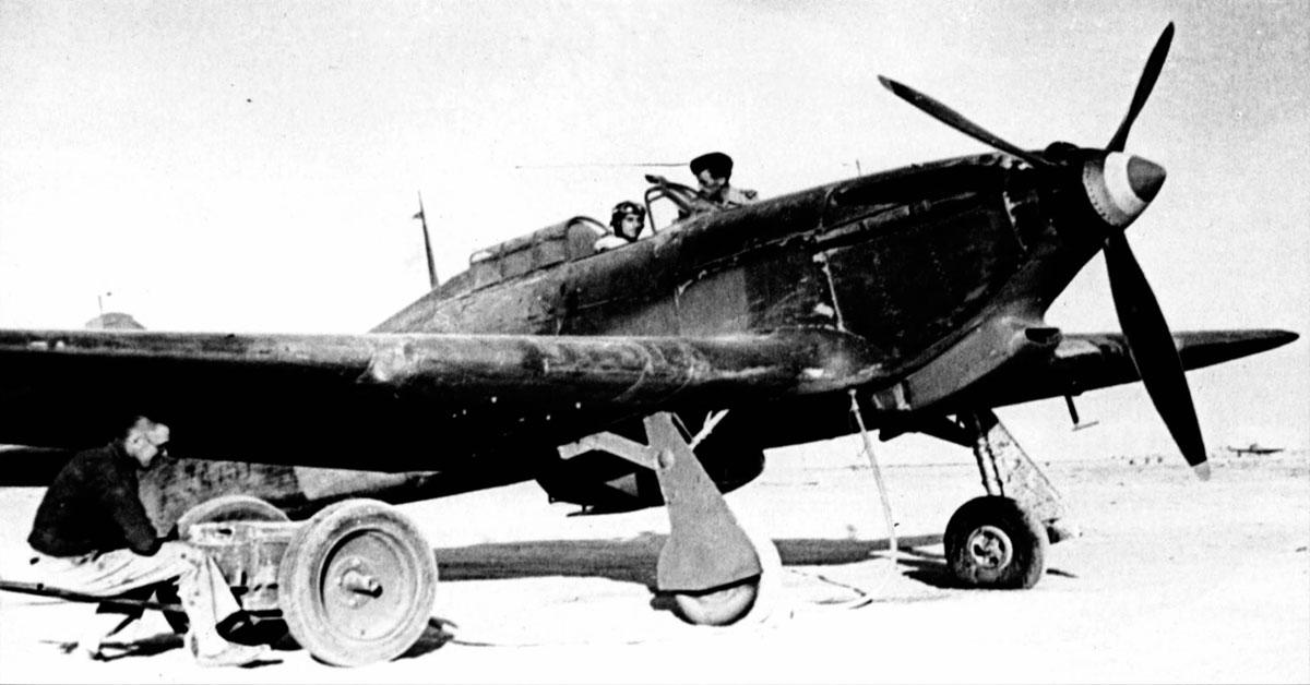 Hawker Hurricane I Trop Armee de lAir Egypt 1941 01