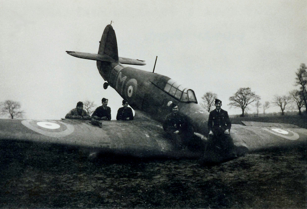 Hawker Hurricane I RAF M early camouflage force landed France 1940 01