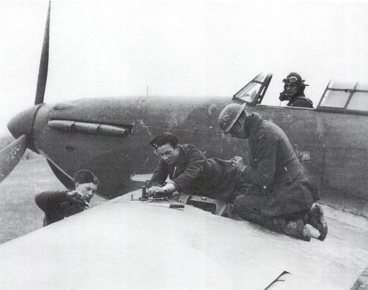 Hawker Hurricane I RAF P2541 being rearmed Battle of Britain 1940 01