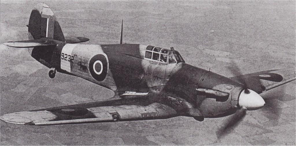 Hawker Hurricane Ia RAF W9232 in flight 01