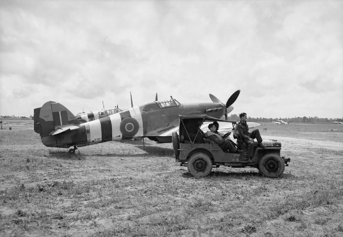 Hurricane IIc RAF 1697ADLS courier aircraft used during D day 03