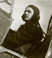 Asisbiz Aircrew RAF 504Sqn Hurricane pilot FO Micheal EA Royce based at Filton Bristol sd Bf 110C4 U8+FK WNr 2162 27 09 1940 01
