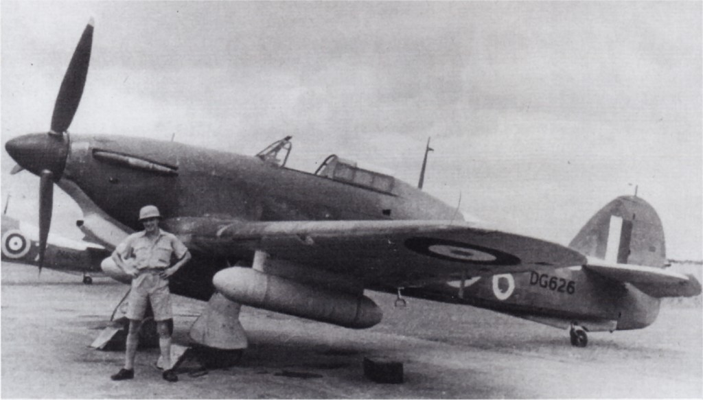 Hawker Hurricane IIa Trop RAF DG626 01